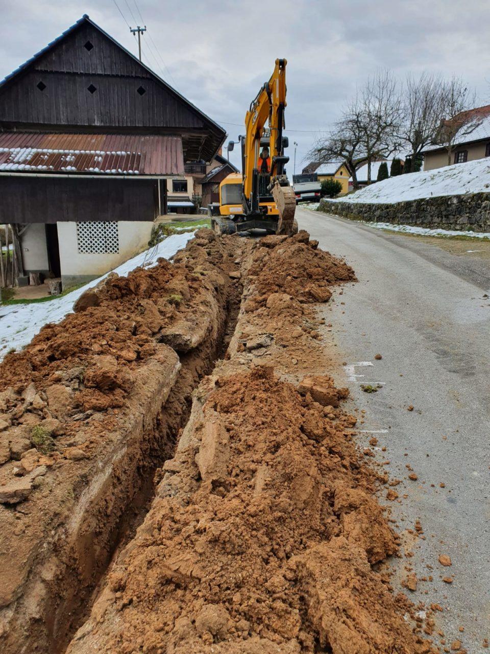 Gradnja omrežja RUNE v naselju Muljava
